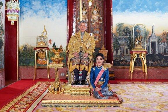 Sineenat Wongvajirapakdi ir karalius Maha Vajiralongkornas