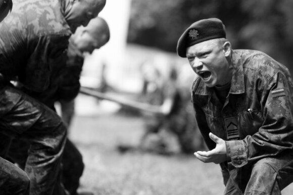 DELFI skaitytojai išrinko įdomiausią karinę nuotrauką!