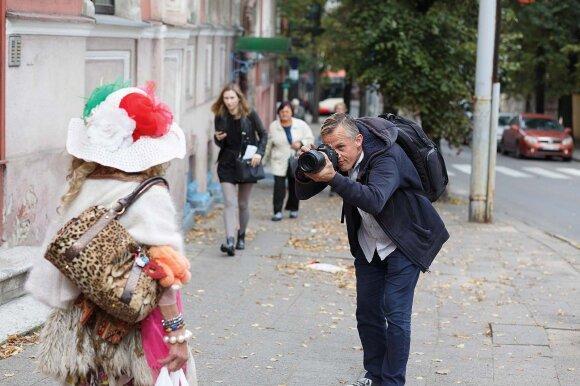 Gatvės medžiotoju tituluojamas fotografas V. Alesius: mes vis dar labai bijome nepaklusti standartams