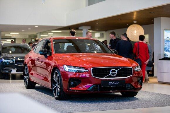 """Klaipėdoje atidarytas naujas """"Volvo"""", """"Dacia"""" ir """"Renault"""" salonas"""