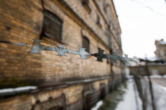 Lietuviškas teisingumas – tik po 17 metų: Lukiškėse mirusio vyro šeima gaus 100 tūkst. Lt