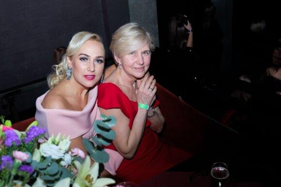 Indrė Stonkuvienė su mama Cecilija