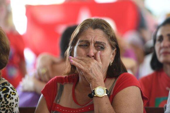 Apkalta Brazilijoje išsviedė prezidentę iš posto