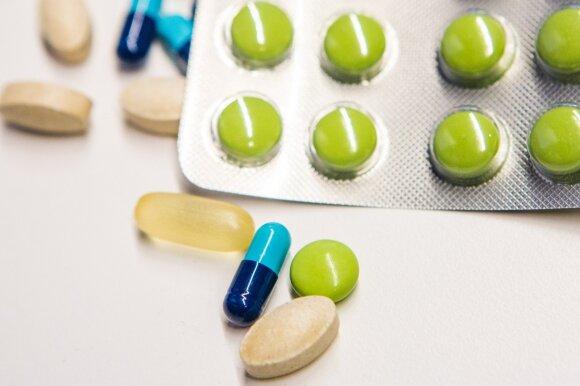 Įspėja šiukštu nemaišyti šių dažniausiai vartojamų vaistų: galima ne tik apsinuodyti, bet ir pakenkti svarbiems organams