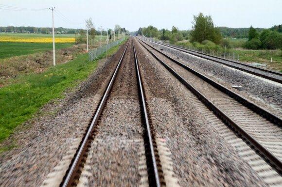 """Lietuvos pusė kratosi buvusios """"Rail Baltica"""" vadovės kaltinimų"""