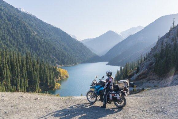 Įspūdinga lietuvių kelionė motociklais aplink pasaulį: 640 dienų, 45 šalys, daugiau nei 100 000 km