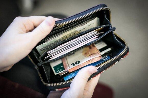 Amerikoje ir Vokietijoje įsijungė panikos režimas: ką dabar daryti su savo pinigais