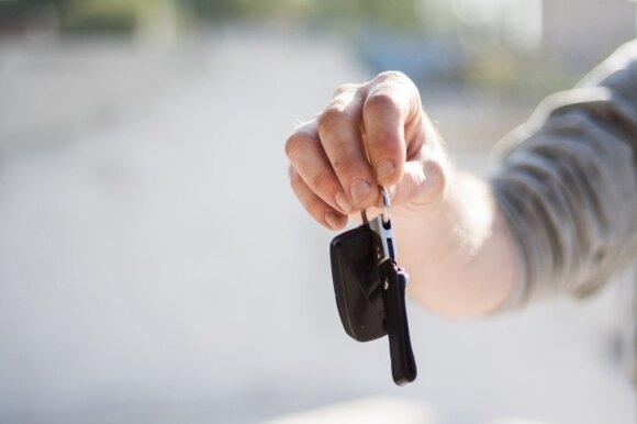 Automobilio signalizacija: montuoti papildomų vairuotojai nebenori, gamyklinės vagims – jokia kliūtis