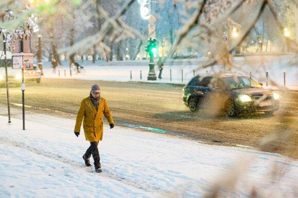 Sinoptikės prognozė: artimiausiomis dienomis atplūs arktinio speigo banga, vietomis šals iki -22