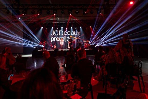 """Parodos """"JCDecaux premija. Tarpai"""" šventės akimirka"""