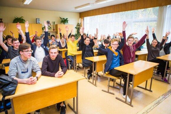 """Justė Arlauskaitė-Jazzu lankėsi Vilniaus """"Minties"""" gimnazijoje"""