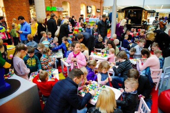 Vaikai sukonstravo beveik tris tūkstančius margučių