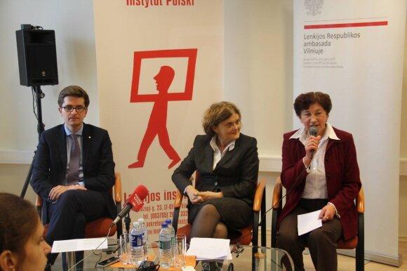 Lenkijos ambasadorė Lietuvoje Urszula Doroszewska (viduryje)