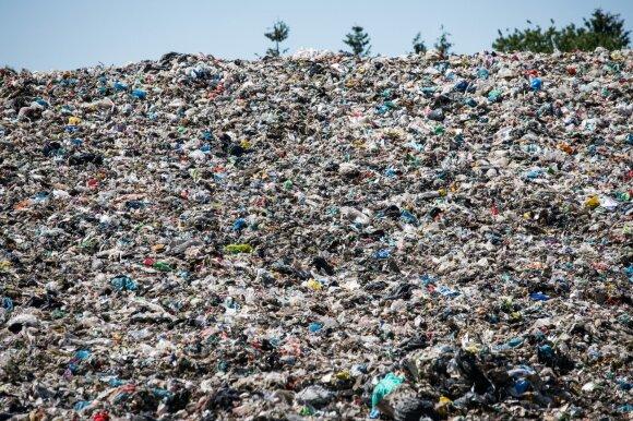 Atvėrė atliekų sektoriaus piktžaizdę: plastiko, kurio neįmanoma perdirbti, tik daugėja