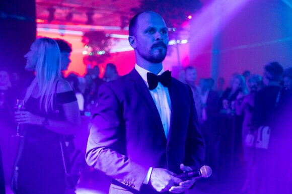 LNK pakvietė į VIP vakarėlį: ant raudonojo kilimo sutvisko ryškiausios eterio žvaigždės