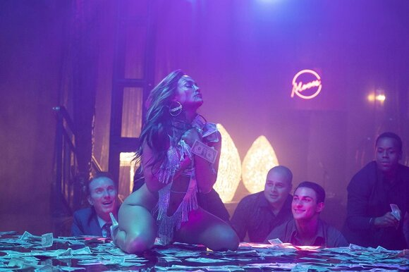 "Jennifer Lopez, kadras iš filmo ""Aferistės"""
