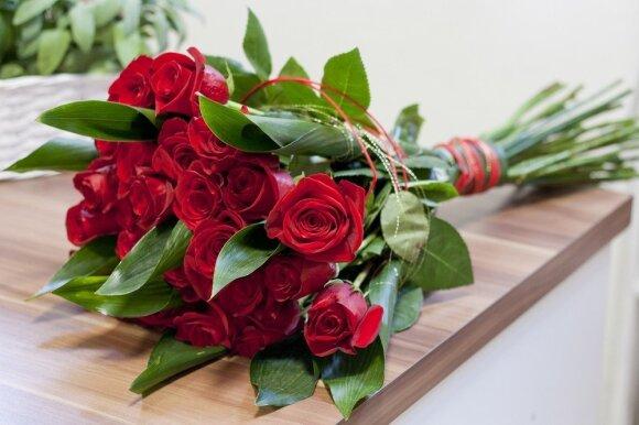 10 gudrybių, padėsiančių ilgiau išsaugoti skintas gėles