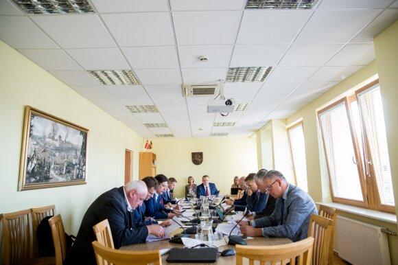 """Pradėtas tyrimas dėl Rozovos ryšių – politikams siūlė priimti """"tylos įžadus"""""""