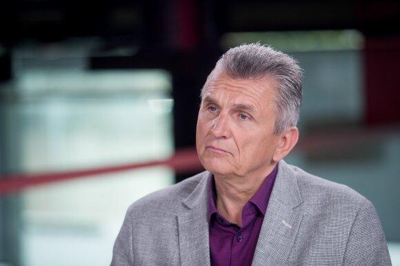 dr. Virgis Valentinavičius
