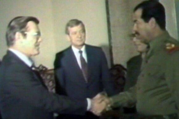Donaldas Rumsfeldas susitinka su Saddamu Husseinu 1983 metais