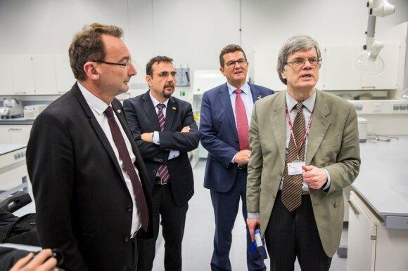 Bavaria's State Secretary for Economic Affairs and Media, Energy and Technology Franz Josef Pschierer with Professor Eugenijus Butkus. Photo by Mindaugas Mikulėnas