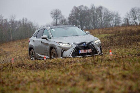 """Vytaras Radzevičius išmėgino """"Lexus RX"""""""