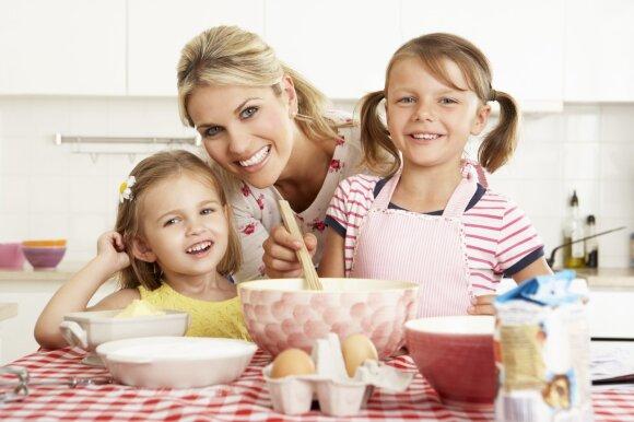 Vaikai gamina su mama
