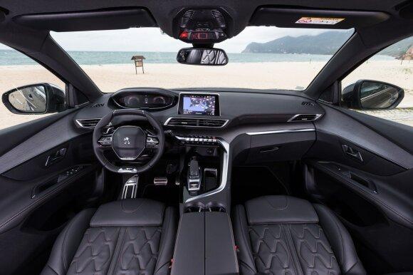 """Naujųjų """"Peugeot"""" akcentas – mažu ir dar iš abiejų pusių suplotas vairas"""