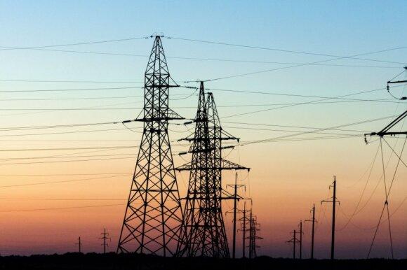 Sunerimo dėl mažinamų investicijų elektros tinklams: stichijos be šviesos paliktų daugiau žmonių