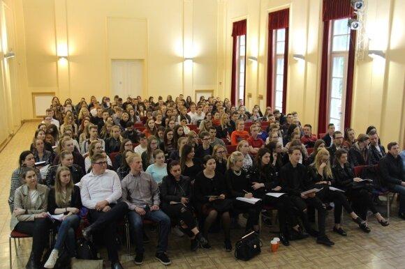 Dvyliktokas sugalvojo, kaip mokiniams lengviau pasiruošti egzaminams