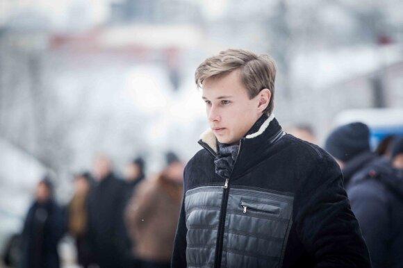 Verslininkas Saulius Karosas amžinojo poilsio atgulė Menininkų kalnelyje: atsisveikinimo kalbą tarė ir 18-metis sūnus