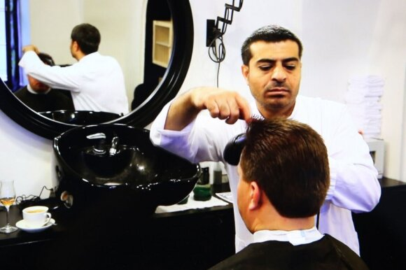 Barbershop in Vilnius that prefers to employ refugees