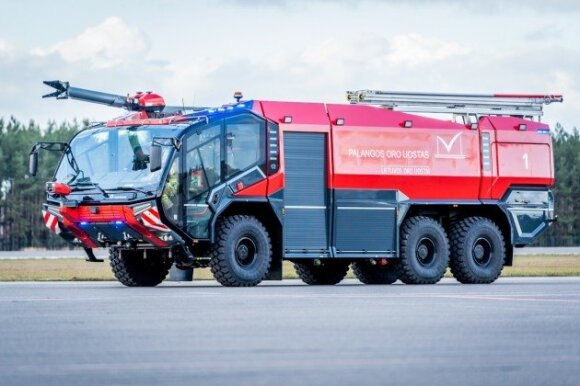 Ugniagesių mašina Palangos oro uoste