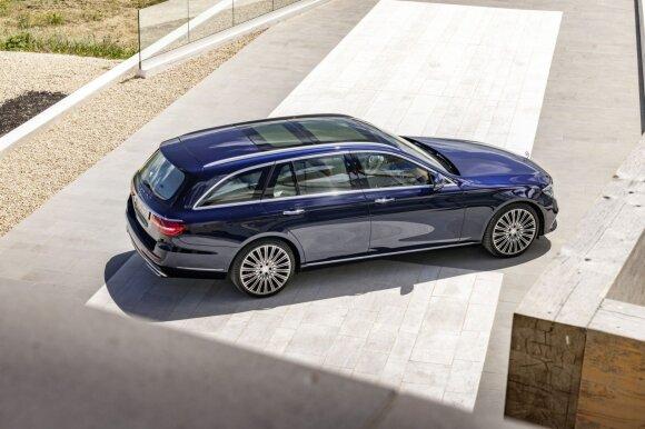 """Naujos kartos """"Mercedes-Benz E klasės"""" universalas"""