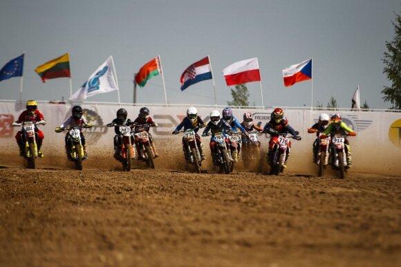 Europos motokroso čempionate lietuviai iškovojo vietą ant nugalėtojų pakylos