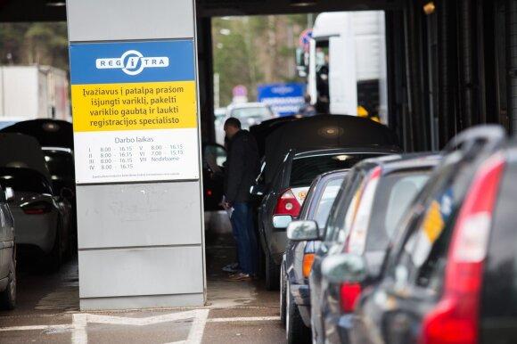 Karbauskis įvardijo, kas gali būti ramūs dėl automobilio mokesčio