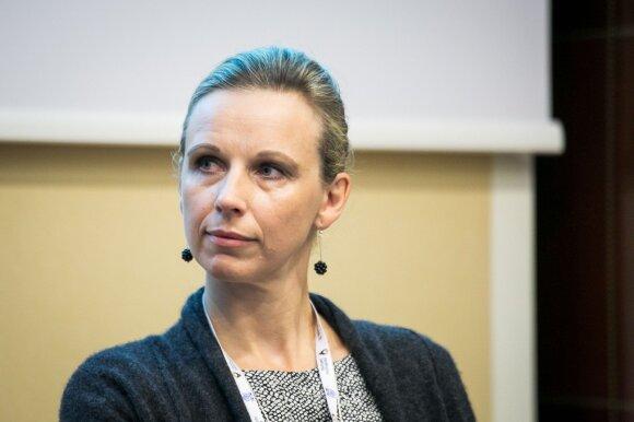 Los Andžele vadovaujančias pareigas užimanti Eleonora Jonušienė-Romuva: atvažiavus į šį miestą, nesvarbu tavo buvę pasiekimai – pradėti turi nuo nulio