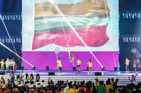 Trispalvę nešė Gaubas, o olimpinio festivalio estafetę perėmė Slovakija