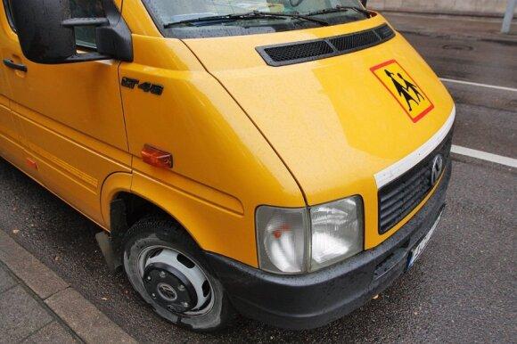 Stebisi vairuotojų elgesiu: pristabdo vos keli, bet ne lietuviai