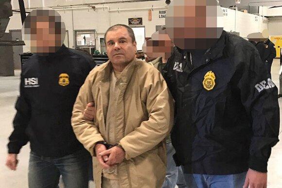 """Pirmasis susitikimas su narkobaronu """"El Chapo"""": mačiau išrengtą ir grandinėmis surakintą vyrą"""