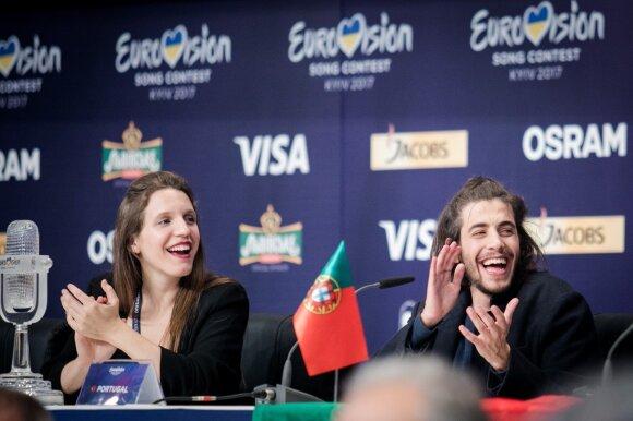 """""""Eurovizijos""""  nugalėtojas Portugalijos atstovas Salvadoras Sobralis su seserimi Luisa"""