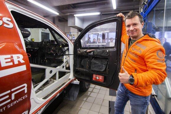 Antanas Juknevičius pakvietė gerbėjus prisidėti prie komandos pirkinio