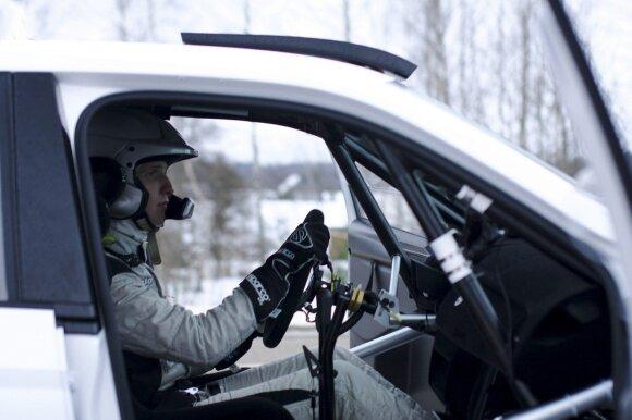 "D. Butvilas važiuoja ""Škoda Fabia R5"" automobiliu"