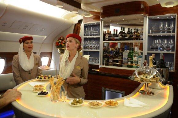 Emirates stiuardesės