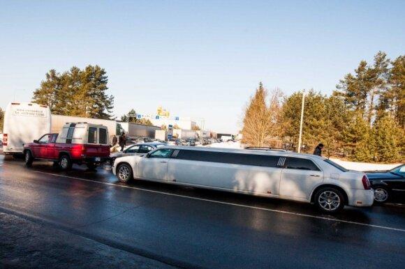 Naujoji automobilių registravimo tvarka: savininkų bėdos