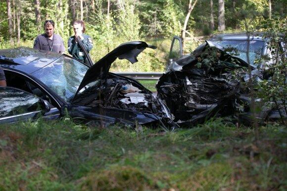 """Baisi """"Honda"""" ir """"Audi"""" kaktomuša Vilniuje: du žmonės žuvo, dar 6 sužeisti"""