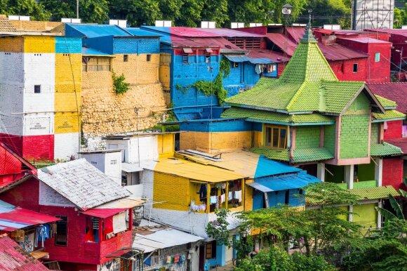 Sumanymas perdažyti kaimą pasiteisino – turistai čia plūsta iš viso pasaulio