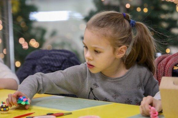 Профессиональные и опытные педагоги каждый день проводят с детьми занятия по различным видам детского творчества