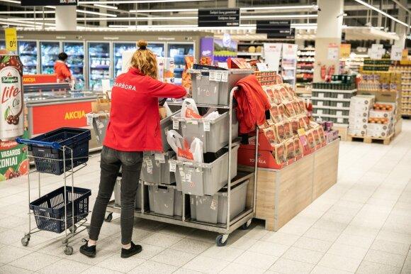 Augant COVID-19 atvejų skaičiui, e. parduotuvės vėl klesti: kai kur užsakymai lenkia karantino lygį, samdo daugiau darbuotojų