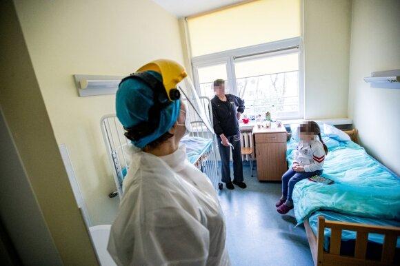 Pacientui nustačius COVID-19, Panevėžio ligoninėje stabdomas guldymas į vieną skyrių